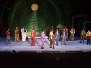 GUYS AND DOLLS 031